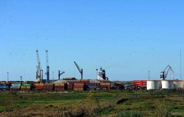 El puerto se mantiene totalmente parado por tiempo indeterminado. (foto archivo: Virginia Benedetto)