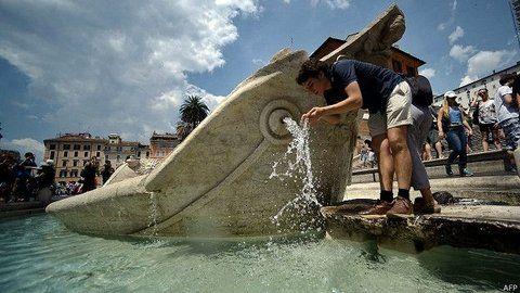 agua que has de beber. Roma padece sequía y podría haber racionamiento hasta en las fuentes históricas.