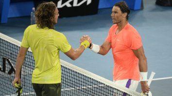 Nadal dominaba el partido a voluntad en los dos primeros sets pero poco a poco fue equivocando su estrategia de juego y cayó tras cuatro horas y seis minutos ante Tsitsipas.
