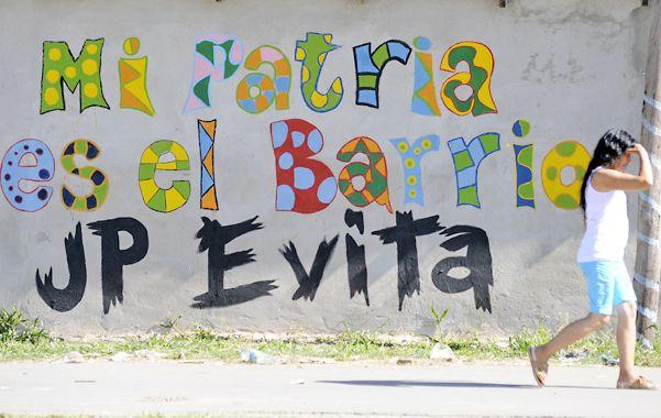 Fiesta. Los chicos en las calles de Nuevo Alberdi bailaron al ritmo de murga.