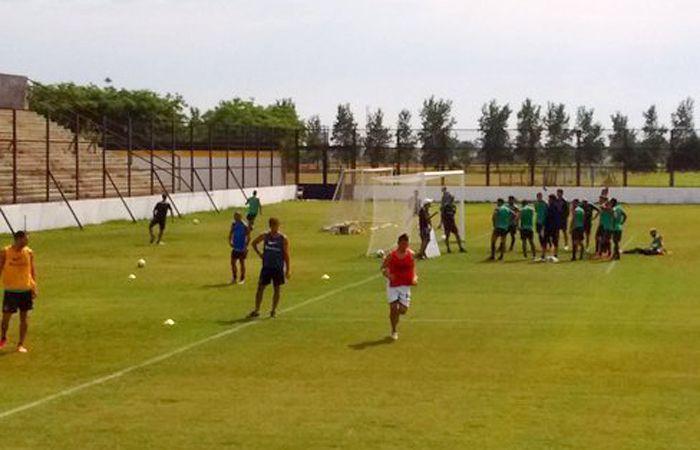 En el segundo partido marcaron Germán Herrera y José Luis Fernández para el equipo auriazul. (Foto Twitter @rodrimendoza75)