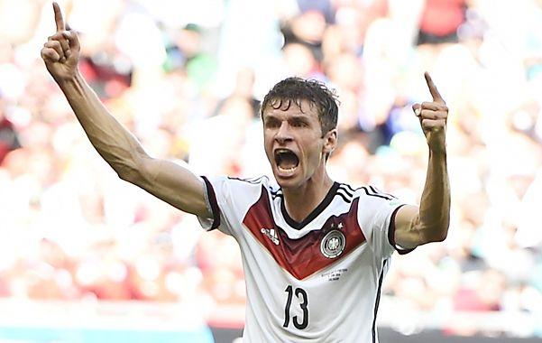 Thomas Müller metió un hat-trick en el debut con goleada a los portugueses.
