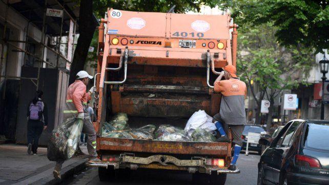 El municipio pide no sacar los residuos por el paro de recolectores