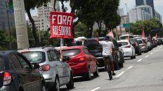 Caravana contra Bolsonaro en el centro de Río de Janeiro.