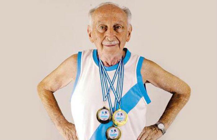 Murió esta tarde a los 98 años, Efraín Wachs, un campeón de la vida