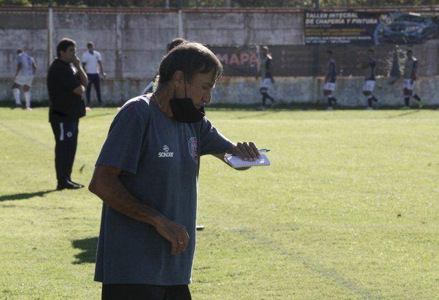 DT charrúa: Juan Rossi pese a la igualdad ante San Martín de Burzaco quedó conforme por la actitud del equipo.