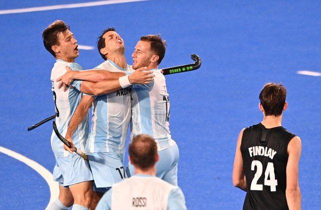 El seleccionado argentino de hockey sobre césped venció este viernes a Nueva Zelanda por 4 a 1.