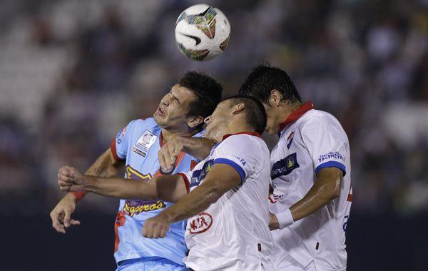 Arsenal empató sin goles con Nacional de Paraguay y se quedó fuera de la Copa