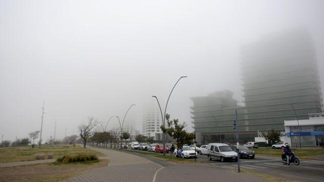 Rosario amanece este jueves 14 de octubre con densos bancos de nieblas en distintos puntos.