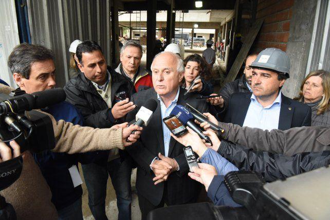 El gobernador santafesino asistirá a la reunión del lunes con Macri