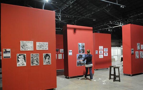 Aprestos. En los galpones del centro de Expresiones Contemporáneas (CEC) se ultimaban ayer los detalles para la inauguración de esta tarde.