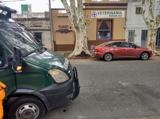 La veterinaría que esta tarde sufrió el violento asalto. (Foto: gentileza Juan José García)