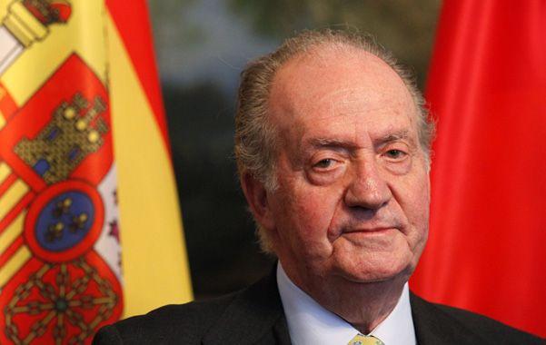 Momento histórico. El rey Juan Carlos se dirige a la nación para informarle de su abdicación al trono.