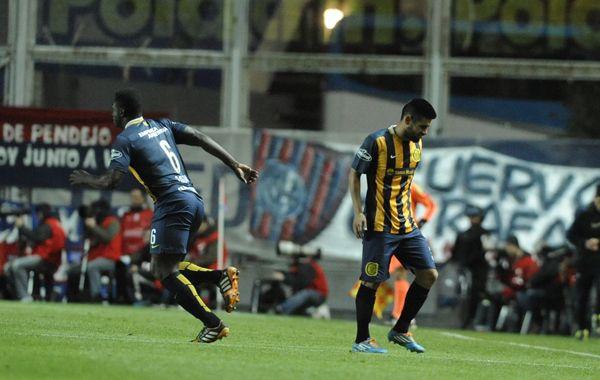 El lateral Villagra fue reemplazado por el colombiano Gómez Andrade a los 53 del duelo ante San Lorenzo.