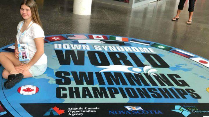 La nadadora con síndrome de Down que le rindió homenaje a Diego