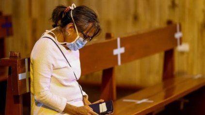 Critican el cierre de iglesias y afirman que funcionan bajo estricto protocolo
