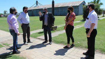 El ministro de Cultura, Jorge Llonch, y su gabinete visitaron El Trébol para planificar junto al municipio la primera actividad presencial a cielo abierto en toda Santa Fe.
