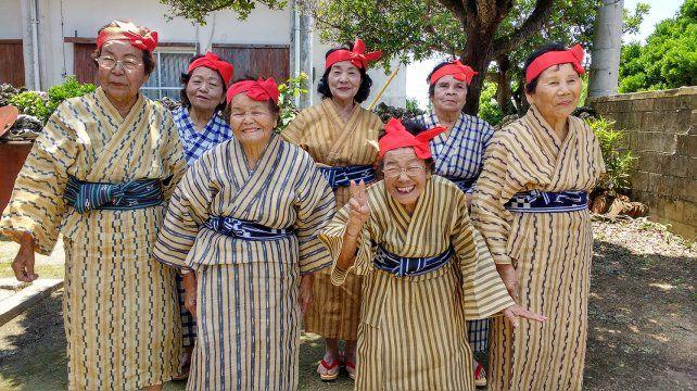 """""""¡Que vivas 100 años!"""" indaga sobre la longevidad en Okinawa (foto)"""
