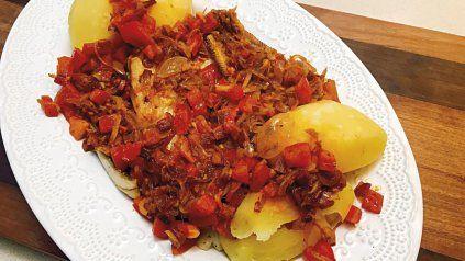 Receta: pescado con sofritos de ajos y jamón
