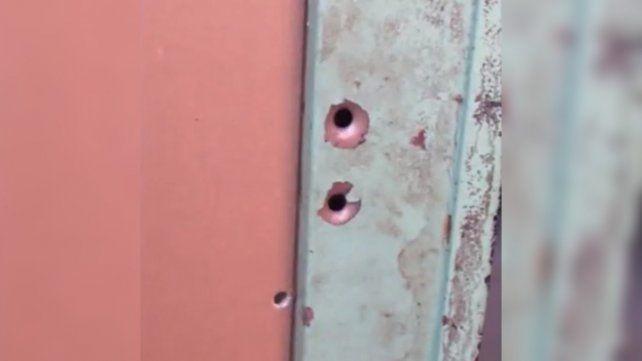 Un nene de 12 años y su padre fueron baleados en barrio Tablada