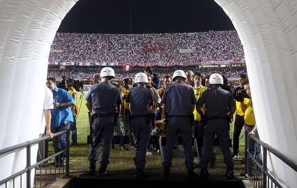 El partido se dio por terminado cuando Tigre no regresó de los vestuarios