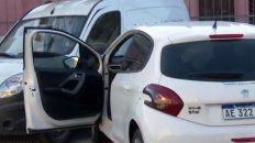 robaron un auto, los persiguio la policia y chocaron en barrio bella vista: dos detenidos