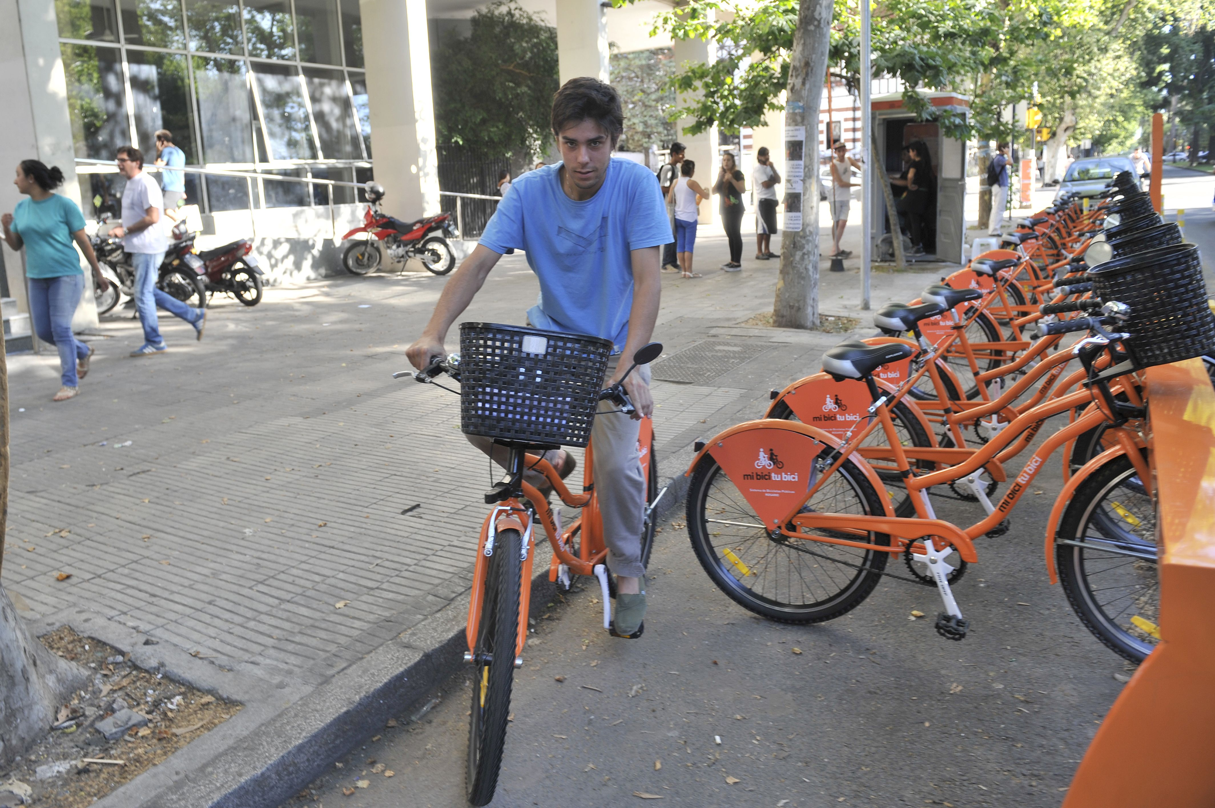 esquema Similar.  El sistema de bicicletas públicas de San Lorenzo funcionará del mismo modo que el de Rosario.