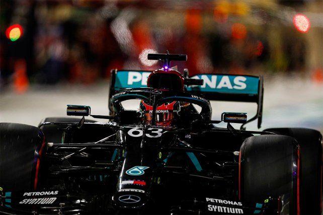 El Mercedes de Hamilton luce el número 63