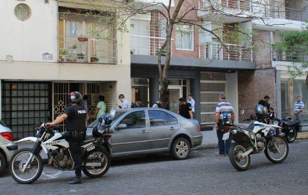 El asalto fue perpetrado en Zeballos al 1200. El joven caminaba solo cuando fue sorprendido por los delincuentes. (Foto: gentileza de Jonatan Lazos)