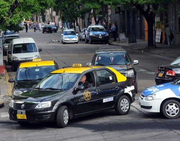 El taxista fue asaltado en por tres pasajeros varones. (Foto: S. Suárez Meccia)