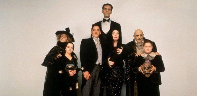 Barry Sonnenfeld dirigió una nueva versión en 1991 protagonizada por Anjelica Huston