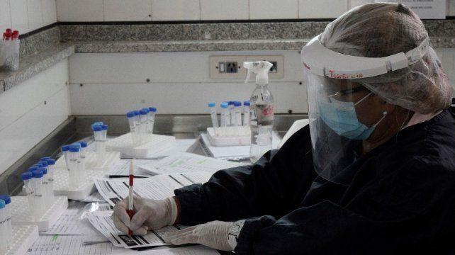El laboratorio del hospital Carrasco donde se realizan los hisopados.