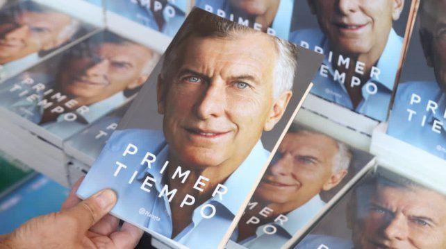 En vidriera. Macri aprovechó la publicación para hacer campaña en un año de elecciones.