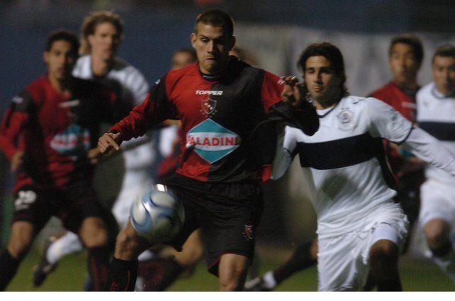 2008. Re anotó en el 1 a 0 con el lobo.