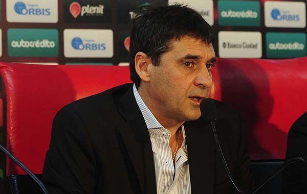 Jorge Riccobelli habló en profundidad del proyecto del fútbol para Newells. (Foto: F. Guillén)