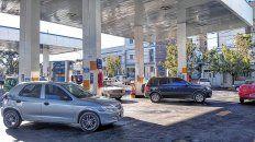 Desde el sábado próximo, el precio del Gas Natural Comprimido (GNC) para vehículos tendrá un aumento de un 30% en todo el país, por lo cual el metro cúbico costará cerca de 35 pesos y los remiseros están muy preocupados.