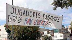 Los hinchas de San Lorenzo manifestaron su enojo con Tinelli y los jugadores en la previa del Clásico ante Huracán.