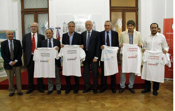 El gobernador Bonfatti firmó el convenio junto a los dirigentes de los clubes santafesinos que militan en la AFA.