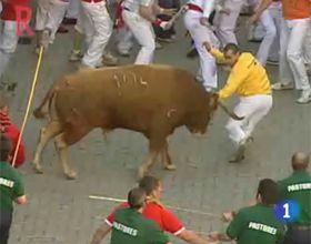 Un muerto y tres heridos en el tradicional encierro de San Fermín