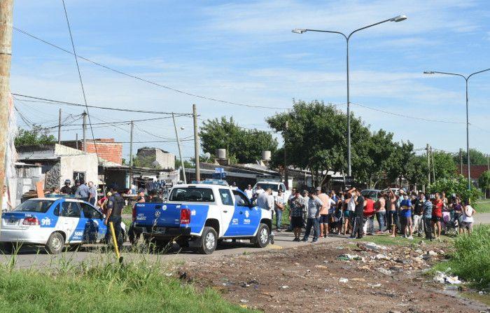 Vecinos del barrio 7 de Septiembre usurparon terrenos y reclaman viviendas