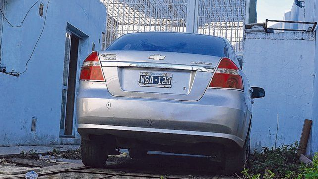 Abandonado. El Chevrolet Aveo en el que se movía la banda fue robado en diciembre pasado en Oroño al 5300.