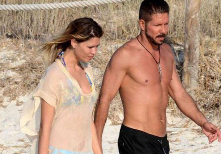 Simeone estuvo en el país con su novia Carla Pereyra durante Semana Santa.