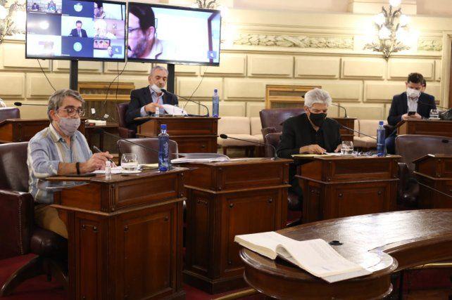 Traferri (izquierda) aprovechó para reforzar sus cuestionamientos al jefe de Seguridad.
