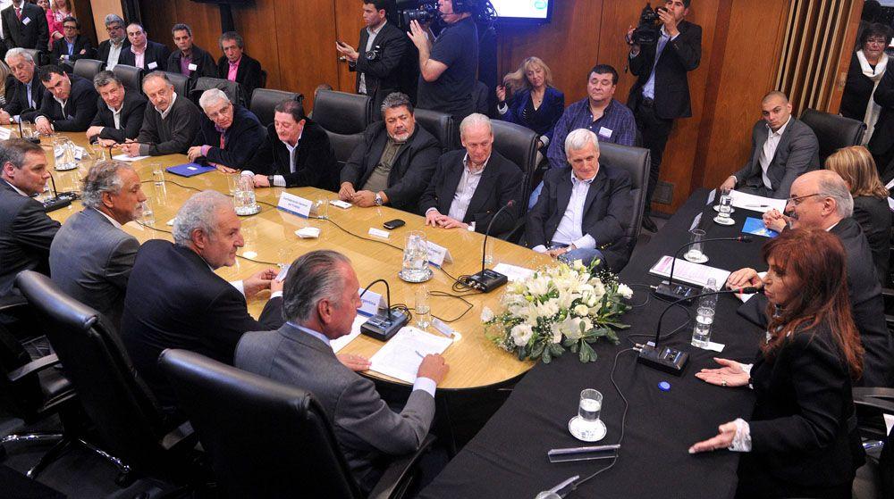 El gobierno convocó para hoy al Consejo del Salario Mínimo