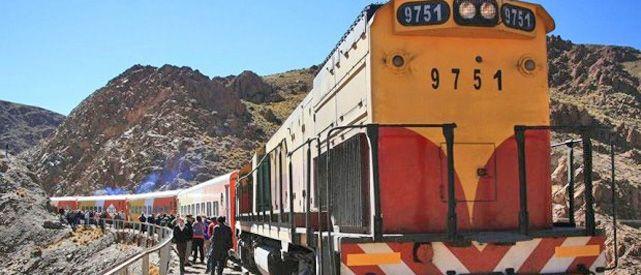 El convoy sufrió desperfectos dos veces en el mismo trayecto. Los pasajeros volvieron en ómnibus.