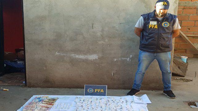 Parte de la droga secuestrada por efectivos de las fuerzas federales.