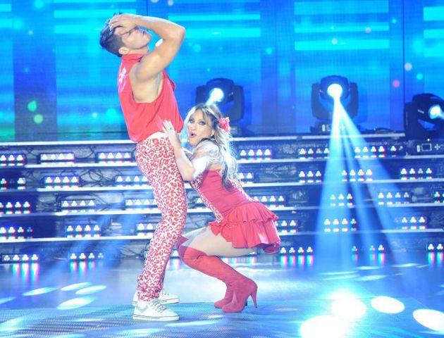 Marcela Tauro bailó al ritmo de la cumbia.