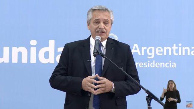 Fernández le tomó juramento al nuevo Gabinete y habló de la crisis del gobierno: Los debates no me asustan