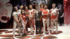 La rosarina Nicki Nicole junto a los integrantes de la banda uruguaya No te va a Gustar.