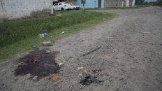 Restos de sangre donde cayó el cuerpo de Rodríguez, de 32 años.